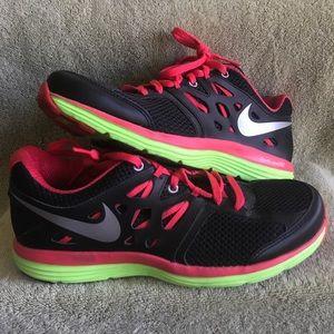 Nike Dual Fusion Lite Women's Shoes 7.5